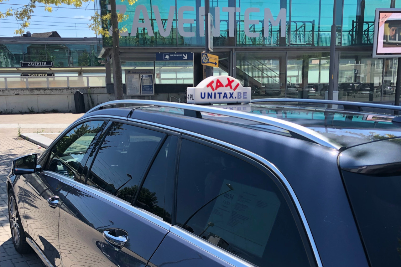 Taxi Zaventem aéroport et Bruxelles taxi hybride